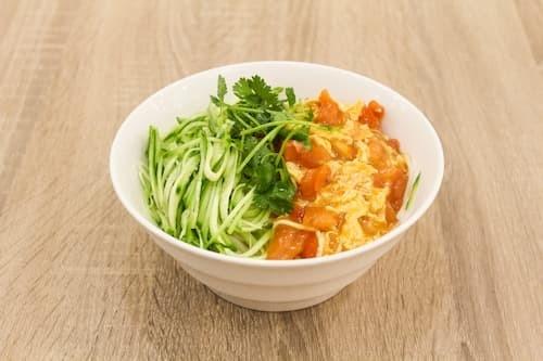 西红柿鸡蛋面 | Tomato and Egg Noodles