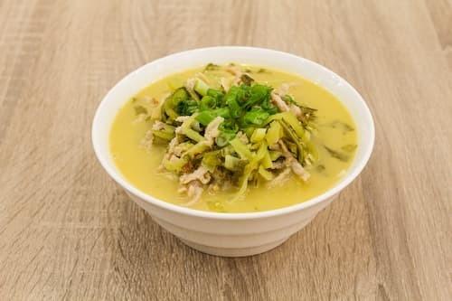 老坛酸菜肉丝面 | Noodles with Shredded Pork and Pickled Vegetables