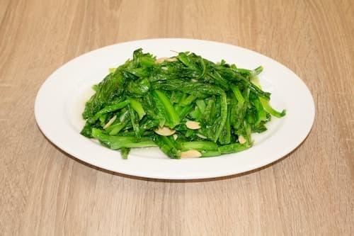 蒜蓉A菜 | A Chay with Mashed Garlic