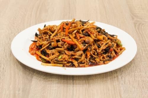 鱼香肉丝 | Shredded Pork with Garlic Sauce